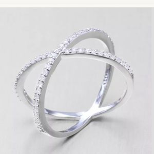 Jewelry - 925 Silver Criss Cross White Topaz Ring